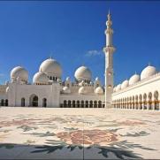 Большая мечеть Grand Mosque в Дубае, ОАЭ